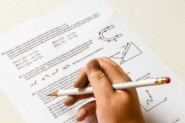 国語と数学の記述式問題