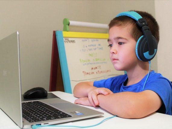 オンライン授業による格差拡大「授業は止めても学びを止めるな…」
